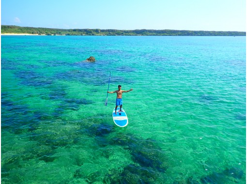 [Okinawa / Miyakojima] (2) Regional coupons are OK! Experience the world-class sea! SUP / canoe tour to choose from superb beach [free photo data]の紹介画像