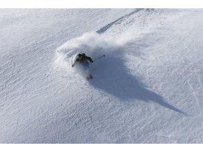 [Best powder in Tohoku/ Hachimantai] 1DAY CAT Ride Tour (Ski & snowboard)