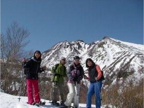 "[Tochigi/ Nasu Highland] "" Snowshoes Shoot Wrecking"" with a gondola, Mt. JEANS"