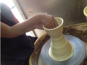 [Hyogo/ Amagasaki] 2 minutes on foot from the station! Porcelain wedding plan for the 20th Year of marriage! Ceramic art experience (6 electric potter's wheel courses)
