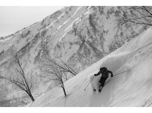 【新潟・妙高】-早割 圧倒的な積雪量で極上のパウダーライディング!!エコノミークラスリフト1日券:ハイシーズンの紹介画像