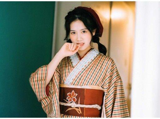 [京都清水寺]復古和服,真絲和服,家庭租賃(免費的帶裝飾,日式小禮物)の紹介画像