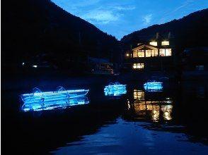 【ナイトカヤック】湖面に映えるクリアリフレクション
