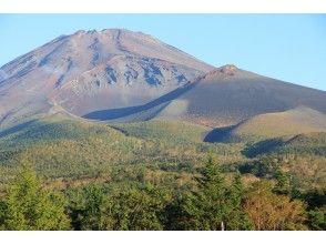 【富士山・宝永山】富士登山前の足慣らし企画!!  大迫力の《富士山宝永火口ツアー》