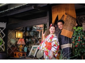 着物で観光名所をお散歩。抹茶と和菓子体験(和三盆型抜き)付き