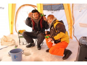 [Sapporo held]Smelt fishing on the ice, a little bit handy and free ★ Rental free winter pants and boots!