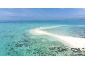"[Ishigaki Island / Half Day] ⑬ I want to go once in a lifetime! Superb view spot ""Phantom Island"" Hamajima landing & boat snorkeling tour [photo data free]"