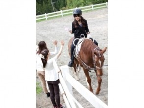 【宮崎・初心者向け!】引き馬・騎乗15分(馬場10周コース)の画像