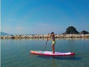 【福井県 高浜町 和田浜】きれいな水と砂浜の和田浜でのんびりSUPで水上散歩体験90分