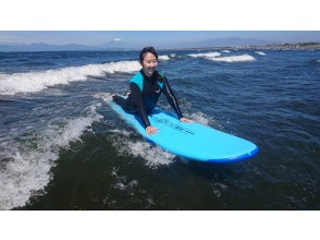《湘南・江ノ島》サーフィン体験プッシュコース 初めての方、アクティビティとして楽しみたい方♪国際サーフィン連盟公認のお店です♪