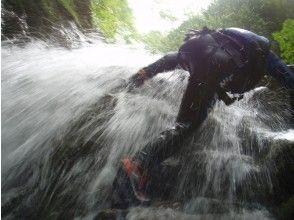 【滋賀・シャワークライミング】日本の滝百選!八ッ淵の滝(1日コース) 9:00集合≪SC-1≫