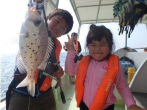 [冲绳石垣岛]您可以放空双手!体验钓鱼,甚至初学者也可以享受。简单的半天(上午)课程☆