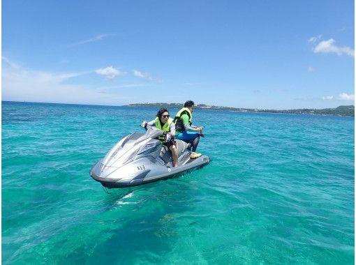 【沖縄県・中城】ジェットスキー乗船初級向けツーリングコース!インストラクター乗船で免許がなくても安心!