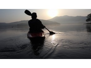 [Living in the morning at Lake Nojiri! ] The best morning start ♪ Morning Kayak