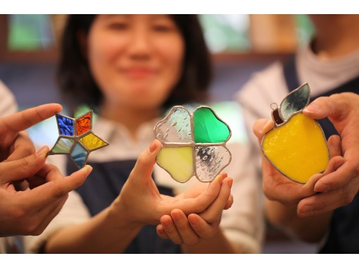 [Osaka Umeda] Stained glass one day experience ☆ Handmade is my happiness ♪ Making a glittering interior on the windowsill ☆の紹介画像