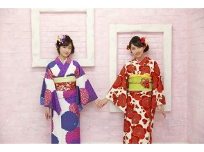 """Local coupon dealer ★ [Celebrity also stealth experience] """"New world"""" of kimono woven by popular models At a limited price of only 4 kimonos per day."""