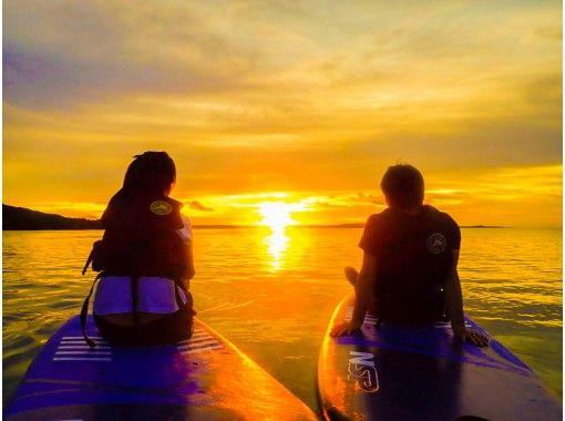 【沖縄・宮古島】サンセットSUP!うっとり感動の夕日を浴びて海岸線をクルージング!(写真・動画無料)の紹介画像