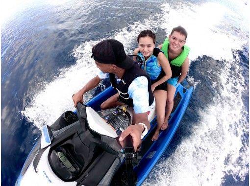 【沖縄・宜野湾出航】沖縄の綺麗な海でたっぷりマリンスポーツ3点セット