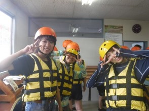 <Plan with bath> After rafting, take a big bath and enjoy hot water ♪ Even beginners can rest assured ☆ Experience course <5 km, 60 minutes>