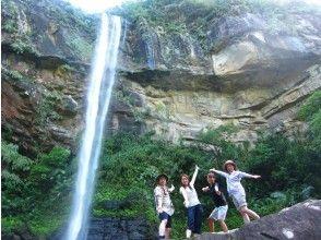 [沖繩/西表島]您可以放心玩!感染擴散防止對策商店。 Pinaisara Falls獨木舟和徒步跳水池之旅(含午餐)