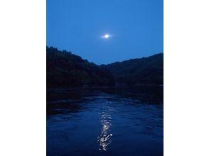 【屋久島・夜】ドキドキ感と非日常のが味わえる月夜のカヌーツア-