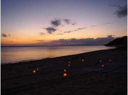 【沖縄・石垣島】SUNSET BEACH CABDLE YOGA(サンセットビーチキャンドルヨガ)