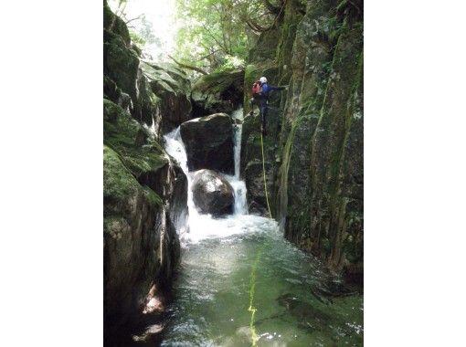 【京都・経験者向け】シャワークライミング アドバンスドコース VOL-1(白滝谷コース)の紹介画像