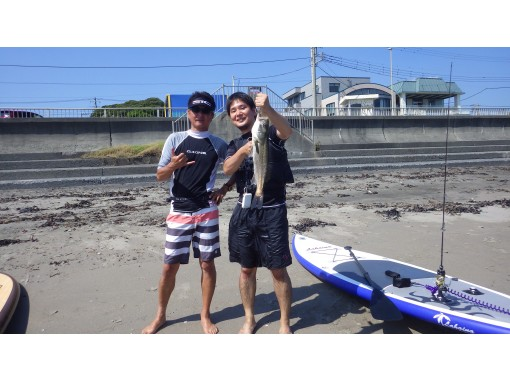 """Complete one-on-one private (per person) ・ """"SUP fishing ONE DAY plan with marine lunch""""の紹介画像"""