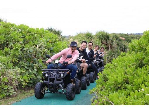 [오키나와 미야코 섬] 버그에서 상쾌한 드라이브 투어! 사탕 수수밭을 질주하면서 인기 与那覇 갯벌 해변에! ! 그 주요 来間大橋 건너 버리는 ❤️⁉️の紹介画像