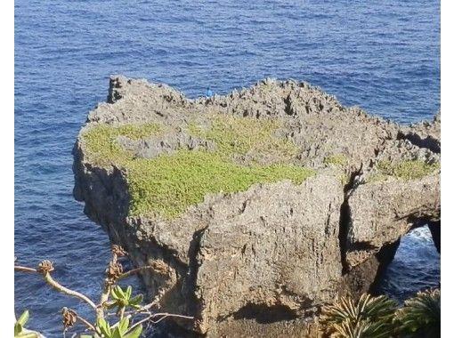 【沖縄・伊江島】オジーと巡る伊江島のガイドブックにはない穴場スポットツアー!