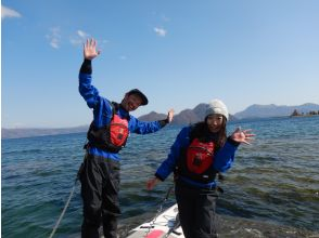 [Hokkaido, Lake Toya] Lake Toya SUP experience tour! Let's enjoy SUP relaxedly in the magnificent and beautiful caldera lake ♪