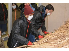 [Fukushima Prefecture, Minamiaizu] Experience how to make an eco-friendly and sustainable thatched roof
