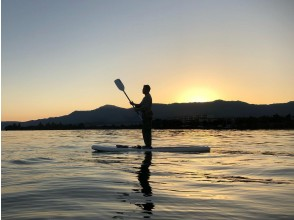 [Shiga / Lake Biwa] Sunset SUP | Evening Po! Relaxing SUP ♪ / Pet dog companion OK ♪ / One person / Women are also recommended ♪
