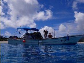【沖縄・慶良間諸島・座間味島】日帰り、手ぶらOK!最高な座間味の海をご案内!ボートシュノーケルツアー