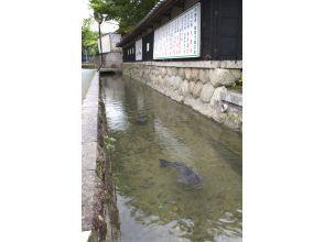 【三重県・四日市】周遊タクシー アクアイグニスと名水百選「智積養水」を巡り、日本有数の四日市コンビナートを一望