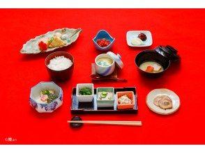 【朝から京都の仕出し文化を体験!!】京都で味わう老舗仕出し割烹の朝食会席~深煎りほうじ茶付~