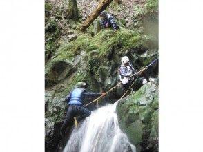 【熊本 八代 氷川】滝登り(シャワークライミング、ボルダリング)