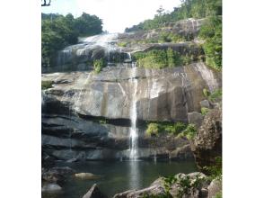 【鹿児島・屋久島】水の秘境・蛇之口の滝トレッキングコースの画像
