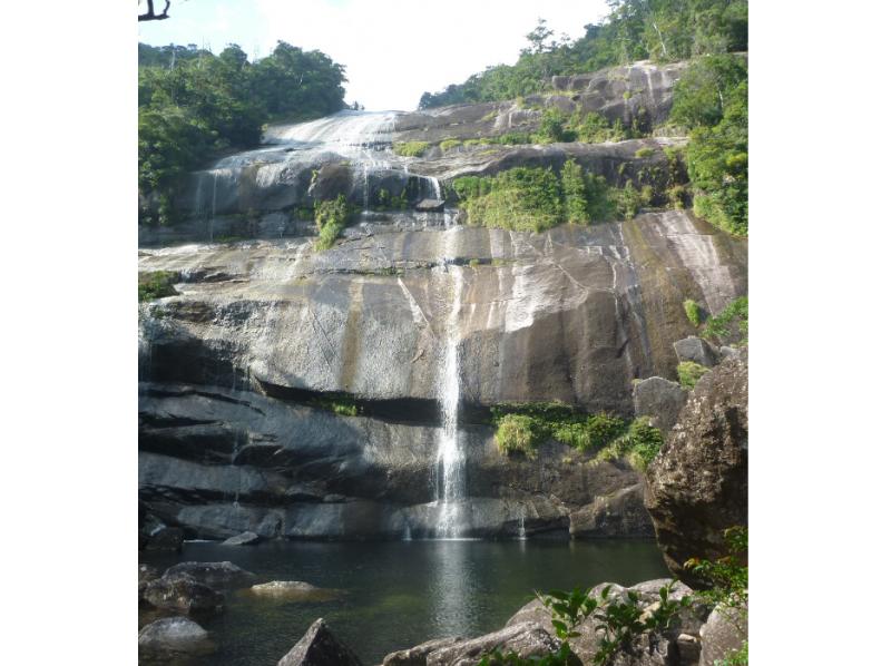 【鹿児島・屋久島】水の秘境・蛇之口の滝トレッキングコースの紹介画像