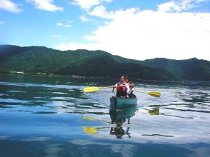 [Yamanashi/ Kawaguchiko] Canoe guide cruise (30 minutes) You don't have to be confident to row by yourself!