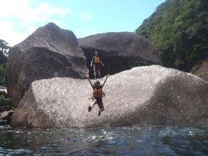 【鹿児島・屋久島】リバーカヤック&秘境の滝ツアー(1日コース)