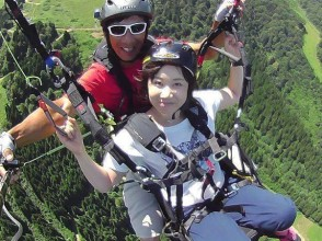 【富山・立山】雄大な立山連邦の絶景を満喫!パラグライダー体験(タンデムフライトコース)の画像