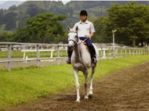 【宮崎・綾】未経験者からちょっと経験のある人向け!乗馬体験(初心者コース)