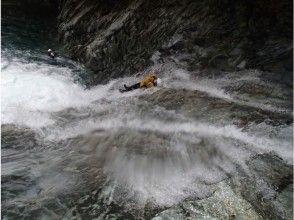 [Nara Yoshino] tenkawa canyoning tour [Kansai leading unexplored points! ]
