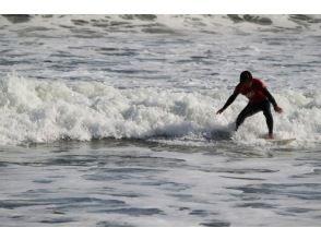【宮城・石巻】自分のレベルに合わせてのんびりサーフィンスクール!の画像