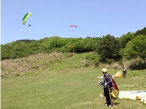 [Shizuoka / Izu] Parents and children get a 1000 yen discount less Paragliding experience (half-day course) 6 years old ~ OK