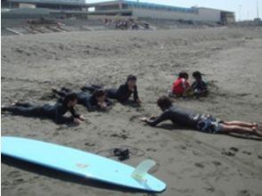 【神奈川・初心者向け】本格的にサーフィンを始めたいあなたへ!ビギナー体験コース!の画像