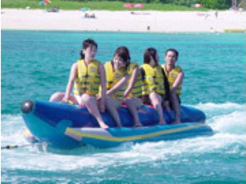 【沖縄/渡嘉敷島】マリンスポーツにチャレンジ☆【バナナボート】の紹介画像
