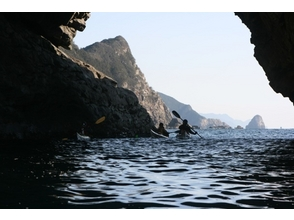 [South Tokushima] image of sea kayak experience course (cave search course)