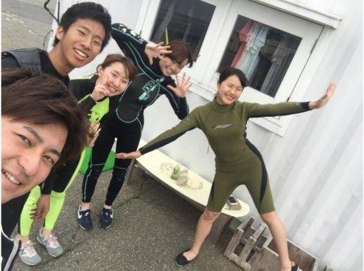 【大阪・初心者向け】グループでお得に!ウェイクボードで体験してみよう!(1セット)